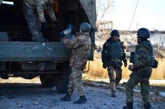 Саперы обезвреживают боеприпасы в Сватово