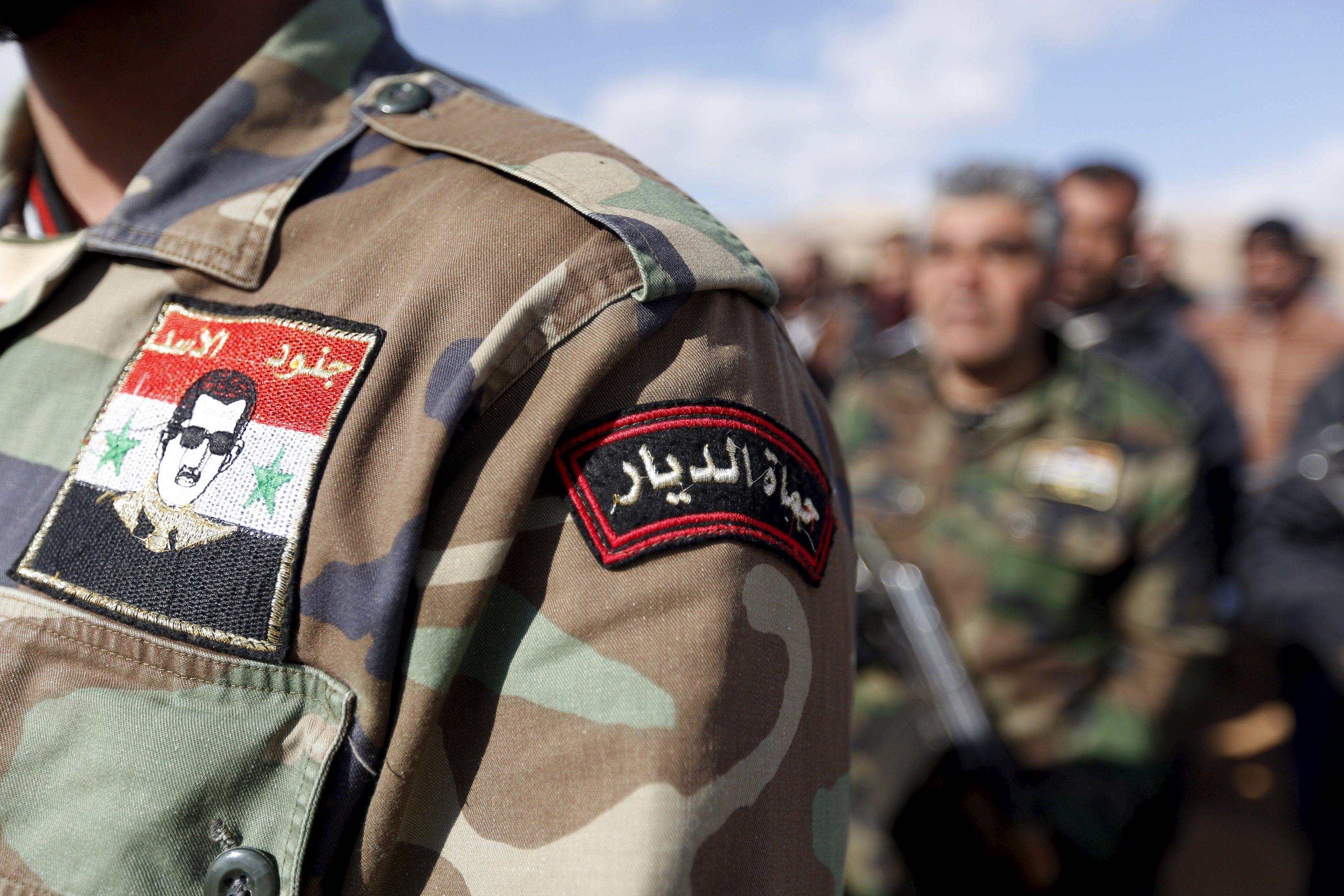 В Сирии повстанцы сбили военный самолет сил Асада