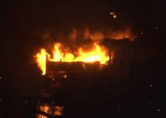 В Киеве сгорел еще один ресторан на воде