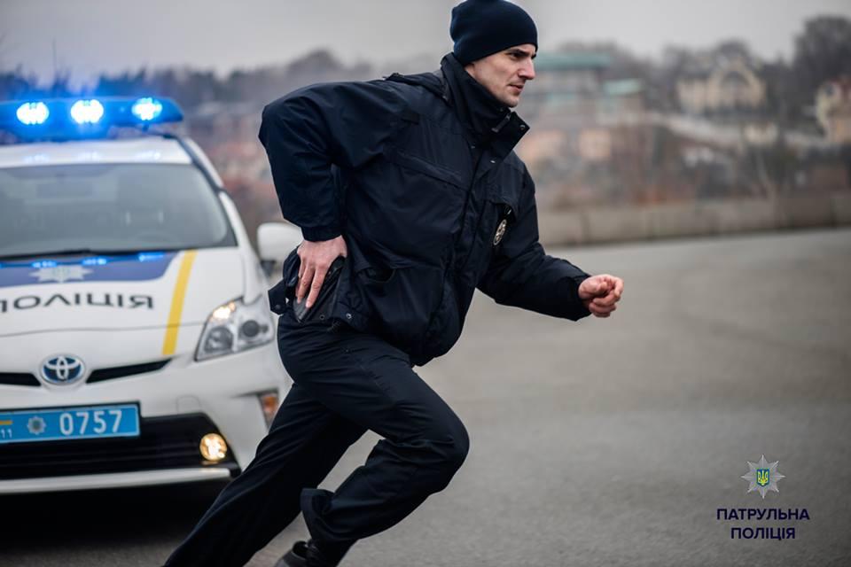 Полицейские вынуждены были открыть предупредительный огонь
