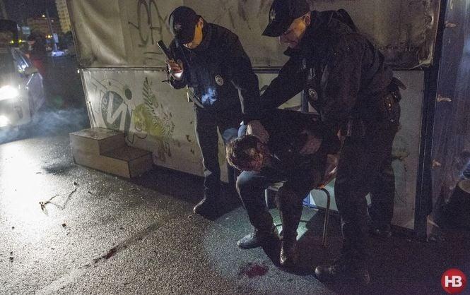 Задержание участника драки во время ночного патрулирования на Оболони.