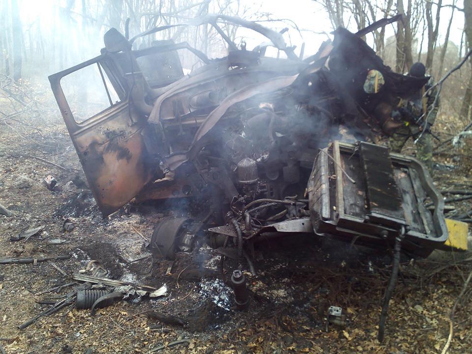 Взорванный под Авдеевкой грузовик, иллюстрация