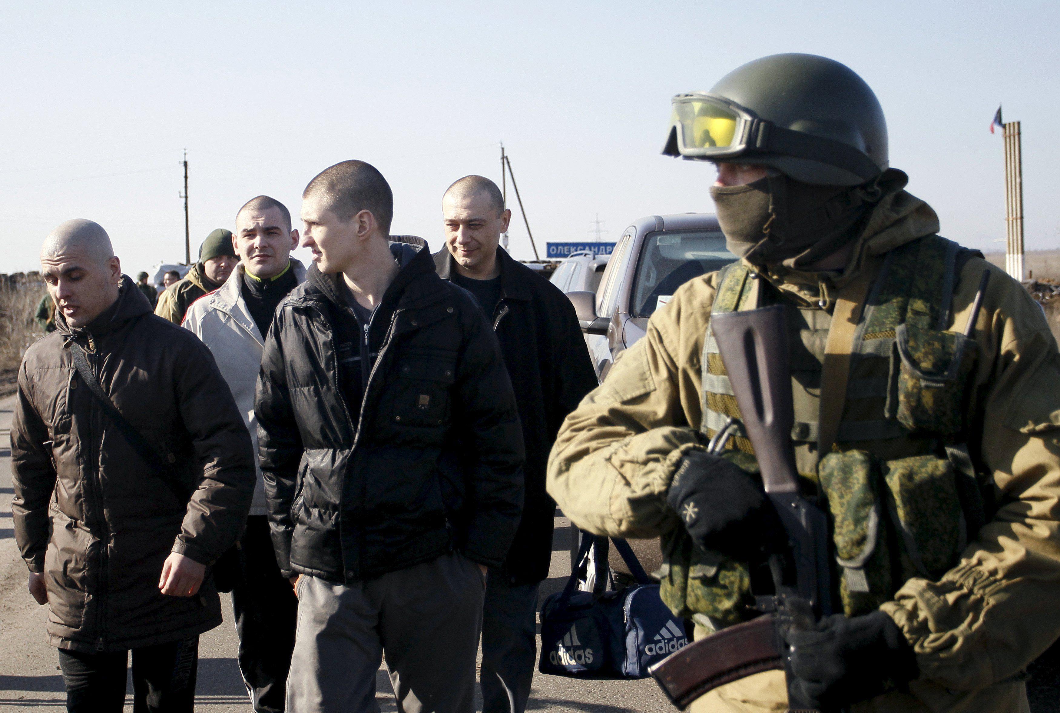 Вопрос обмена пленными сдвинулся с мертвой точки после встречи Суркова и Волкера