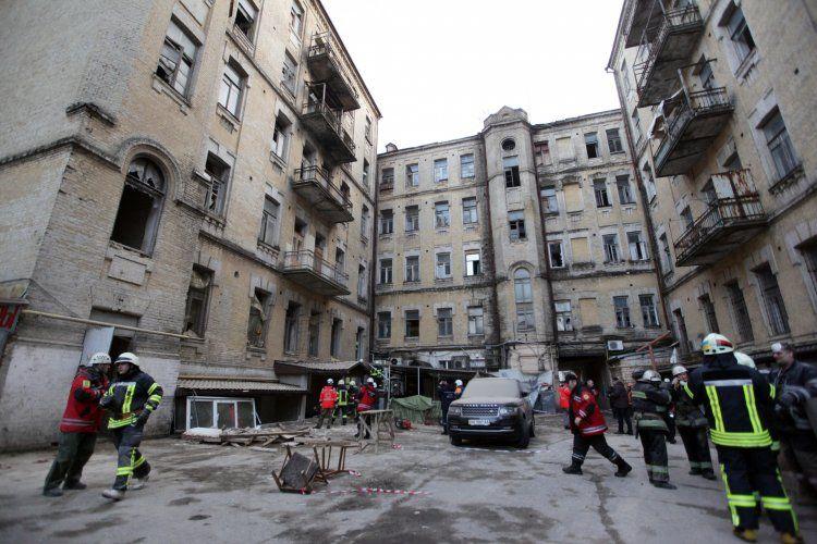 СМИ рассказали о погибших под завалами