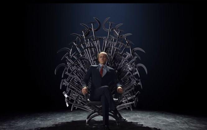 В клипе поразительно похожий на Путина актер пафосно примеряет императорский образ