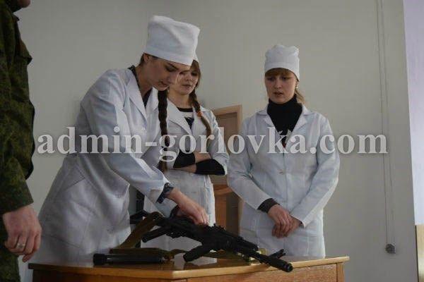 Медиков поставили на службу боевиков, иллюстрация