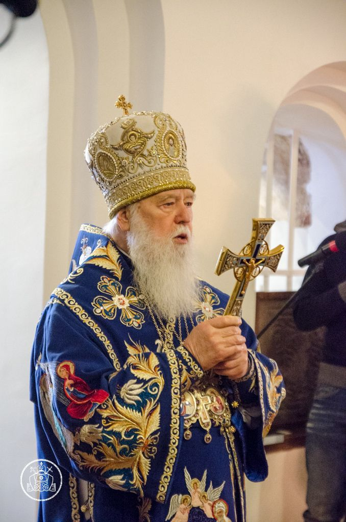 Филарет отметил, что в отличие от Московской, для Киевской церкви нет разницы, кто в чьей церкви был крещен