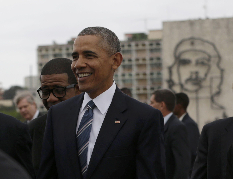 Барак Обама на Кубе. У изображения с Че Геварой