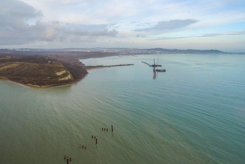 Строительство моста в оккупированном Крыму