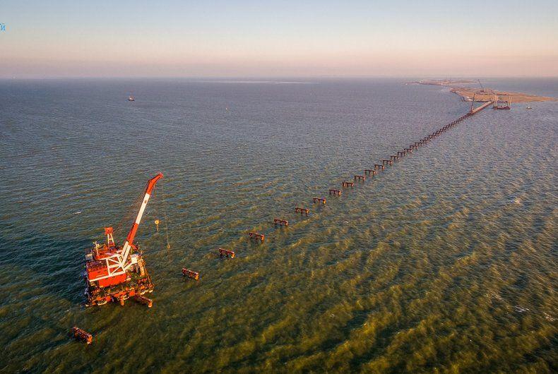 Строительство Керченского моста, иллюстрация