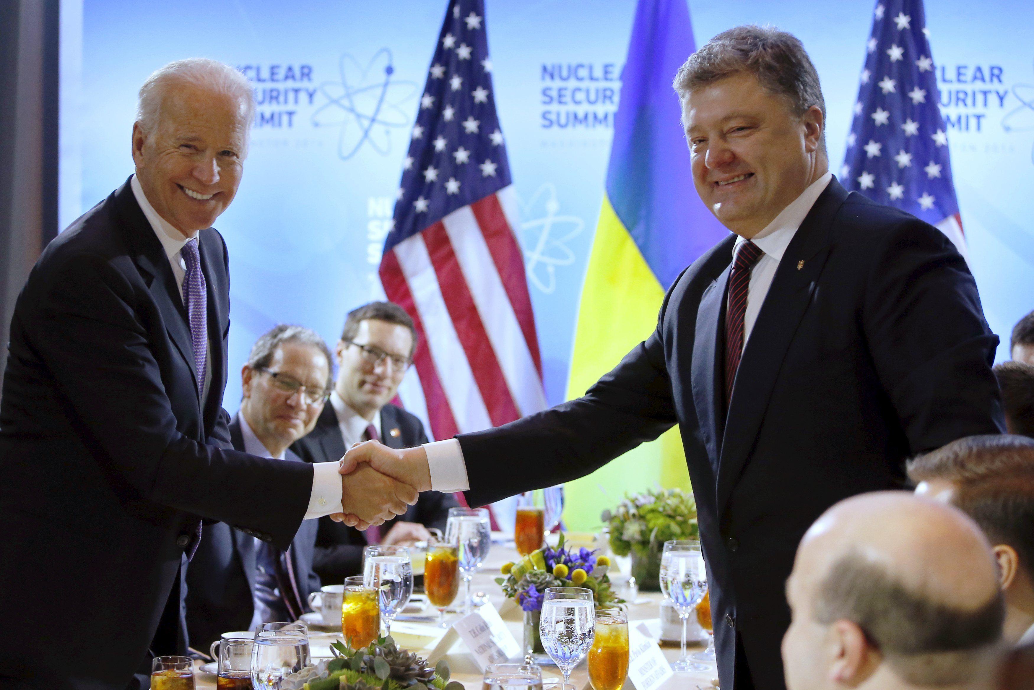 Джозеф Байден на встрече с Петром Порошенко в Вашингтоне.