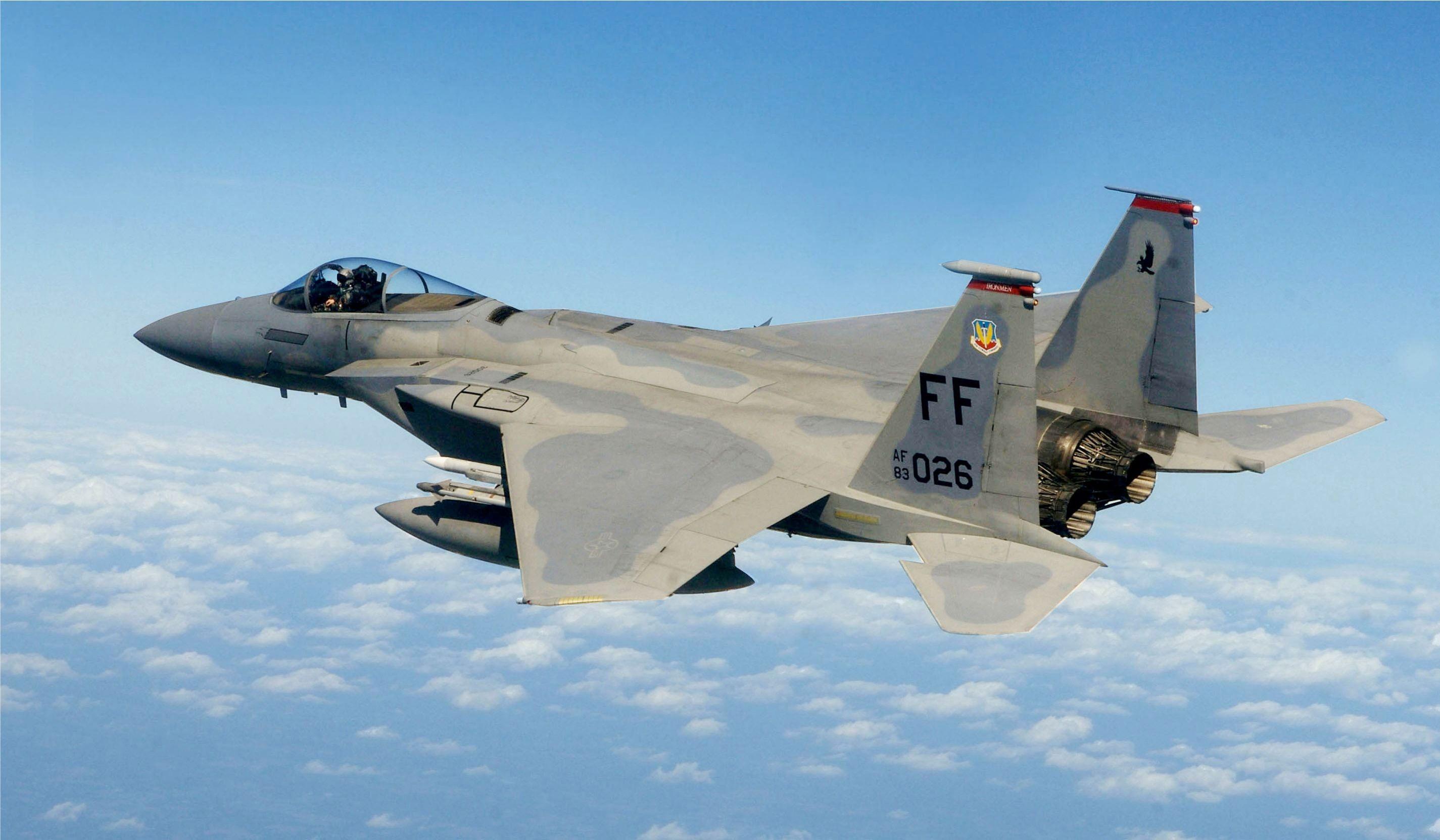 Истребитель F-15C, иллюстрация