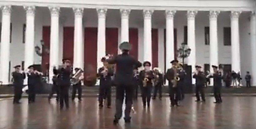 Выступление оркестра НГУ в Одессе