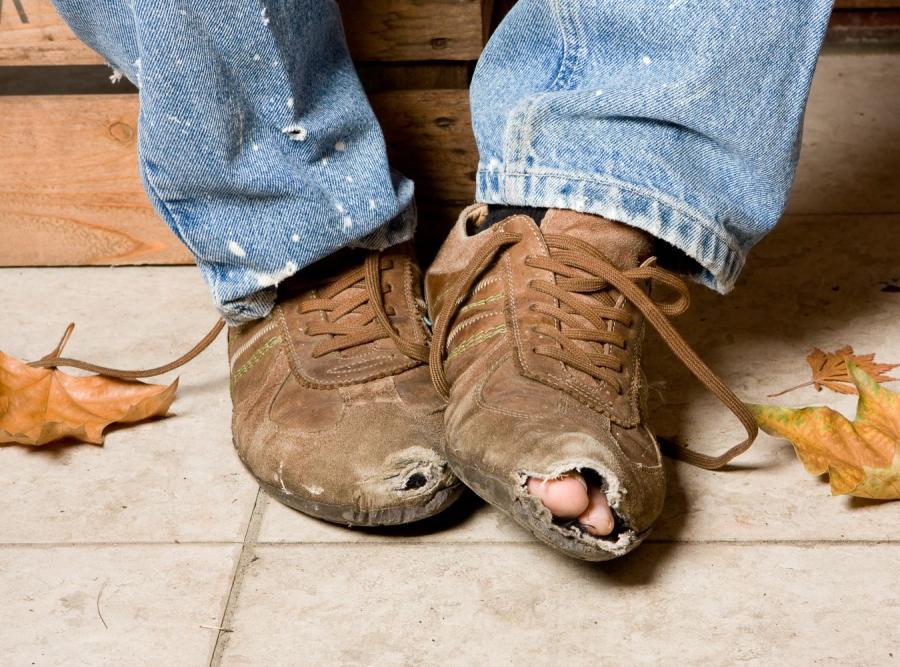 Украинцу положены две пары туфлей на 5 лет