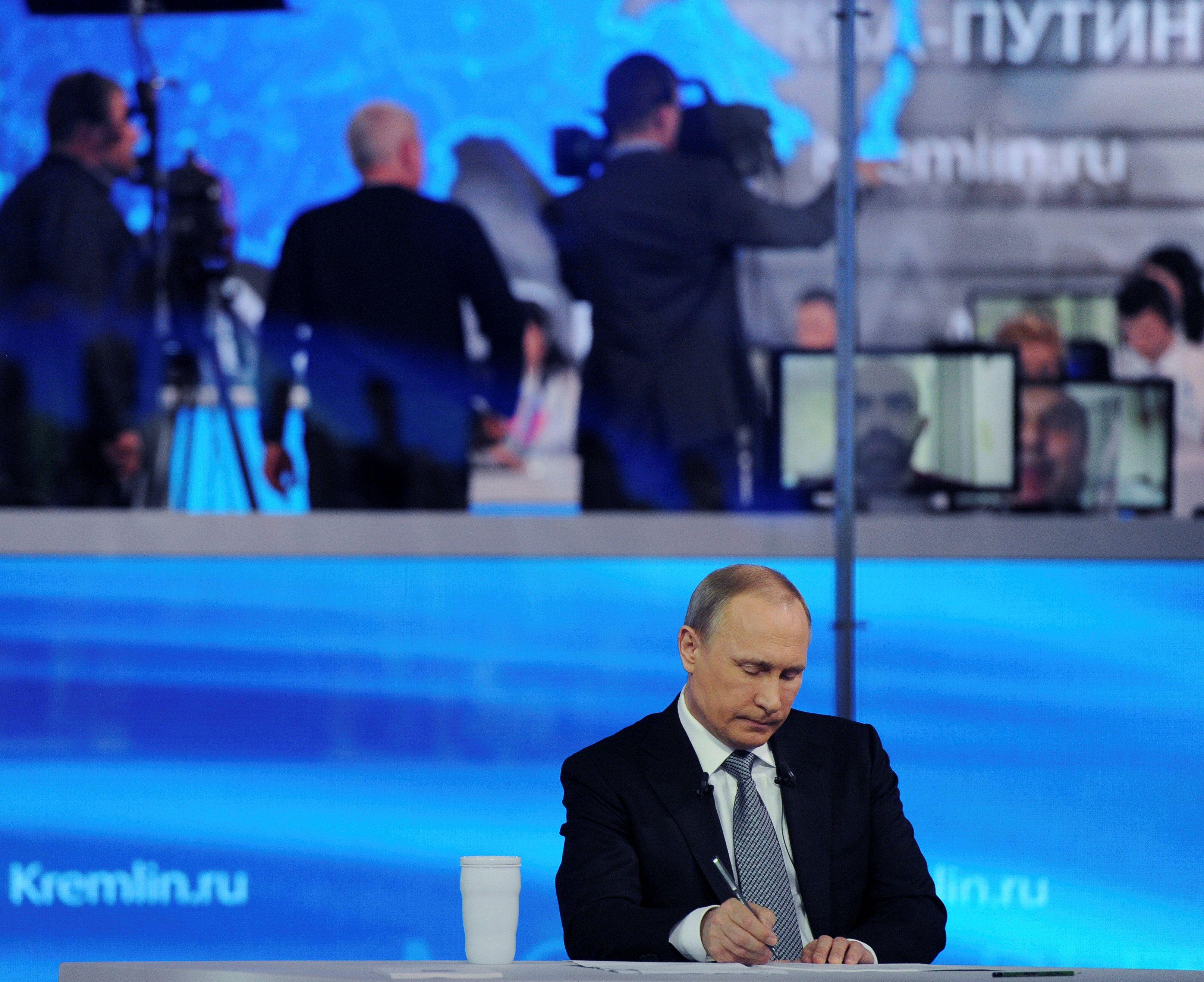 Брат Немцова троллит прямую линию Путина