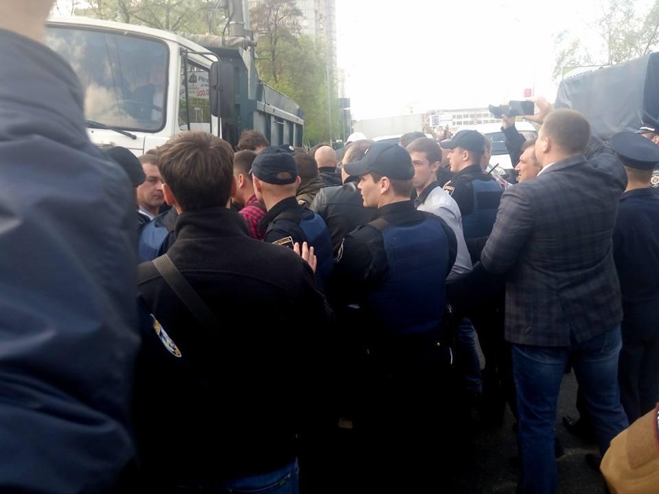 Столкновения на месте застройки в Киеве