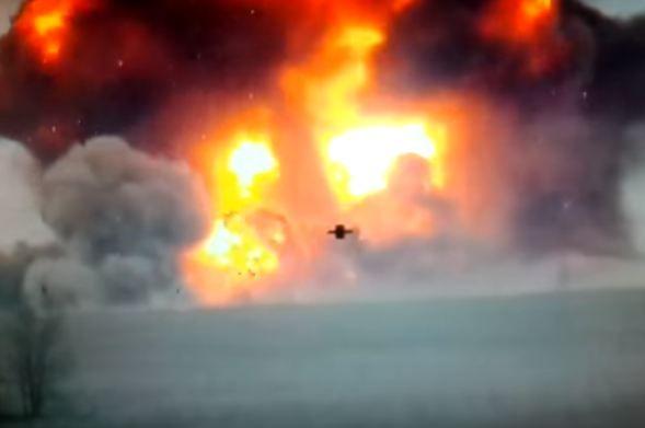 Взрыв грузовиков
