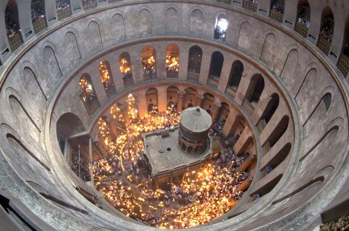 схождения благодатного огня в храме Гроба Господня.
