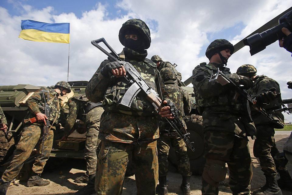 Эксперт считает, что Украине придется применять военный фактор, чтобы освободить захваченную часть Донбасса