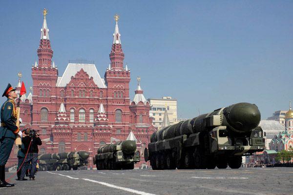 Парад на Красной площади в Москве.