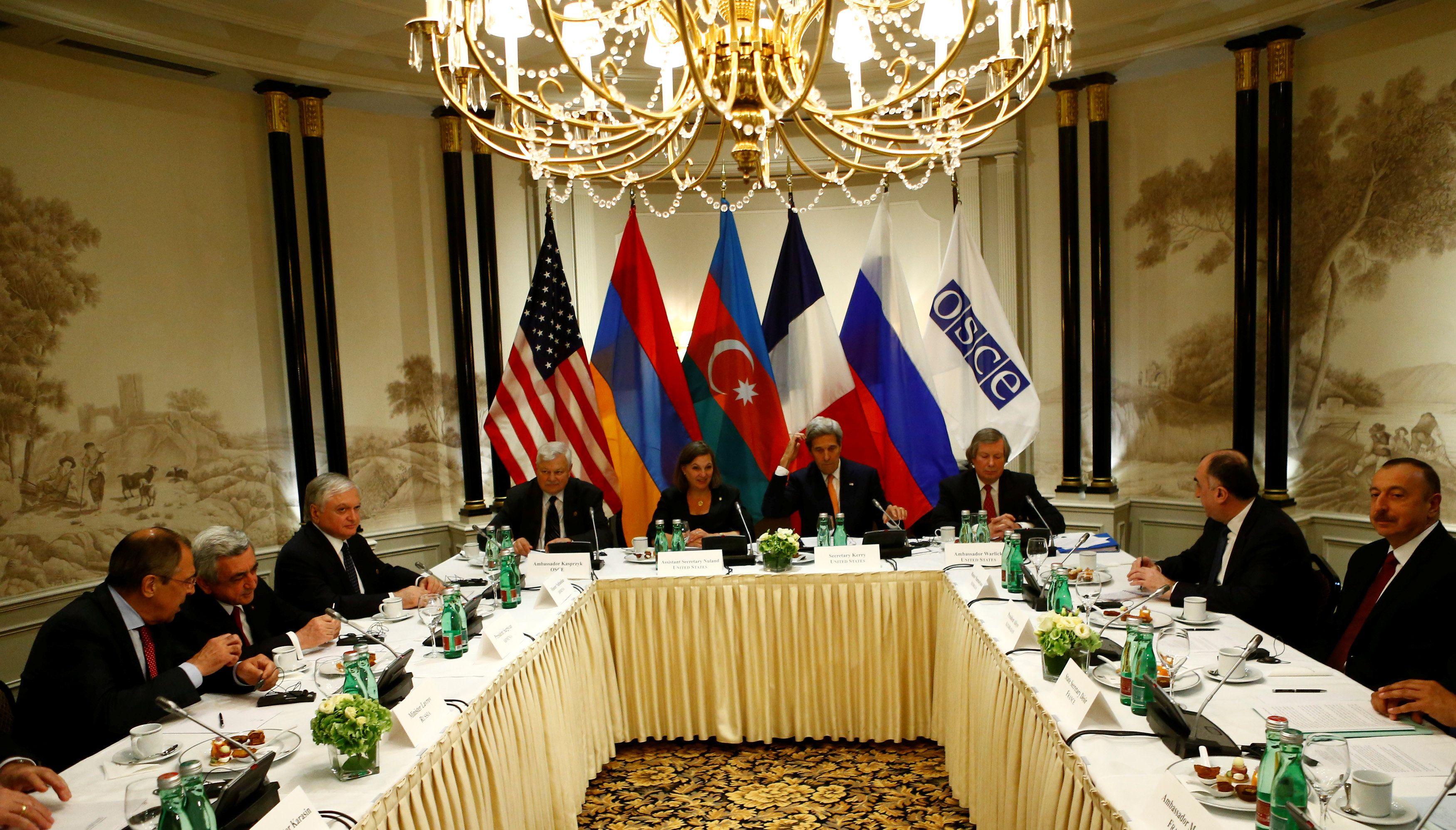 Встреча президентов Армении и Азербайджана.