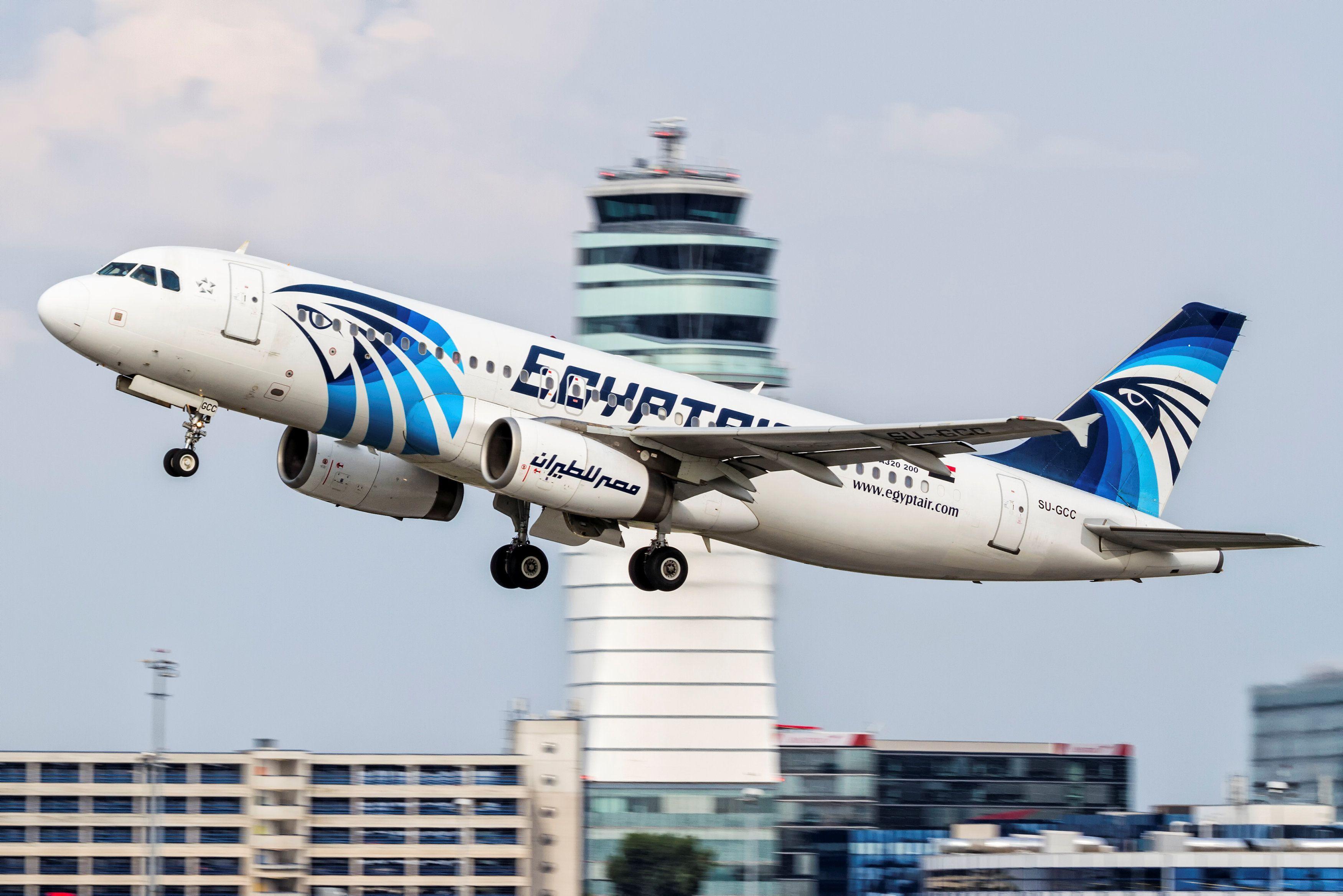 В Средиземном море найдены обломки самолета EgyptAir