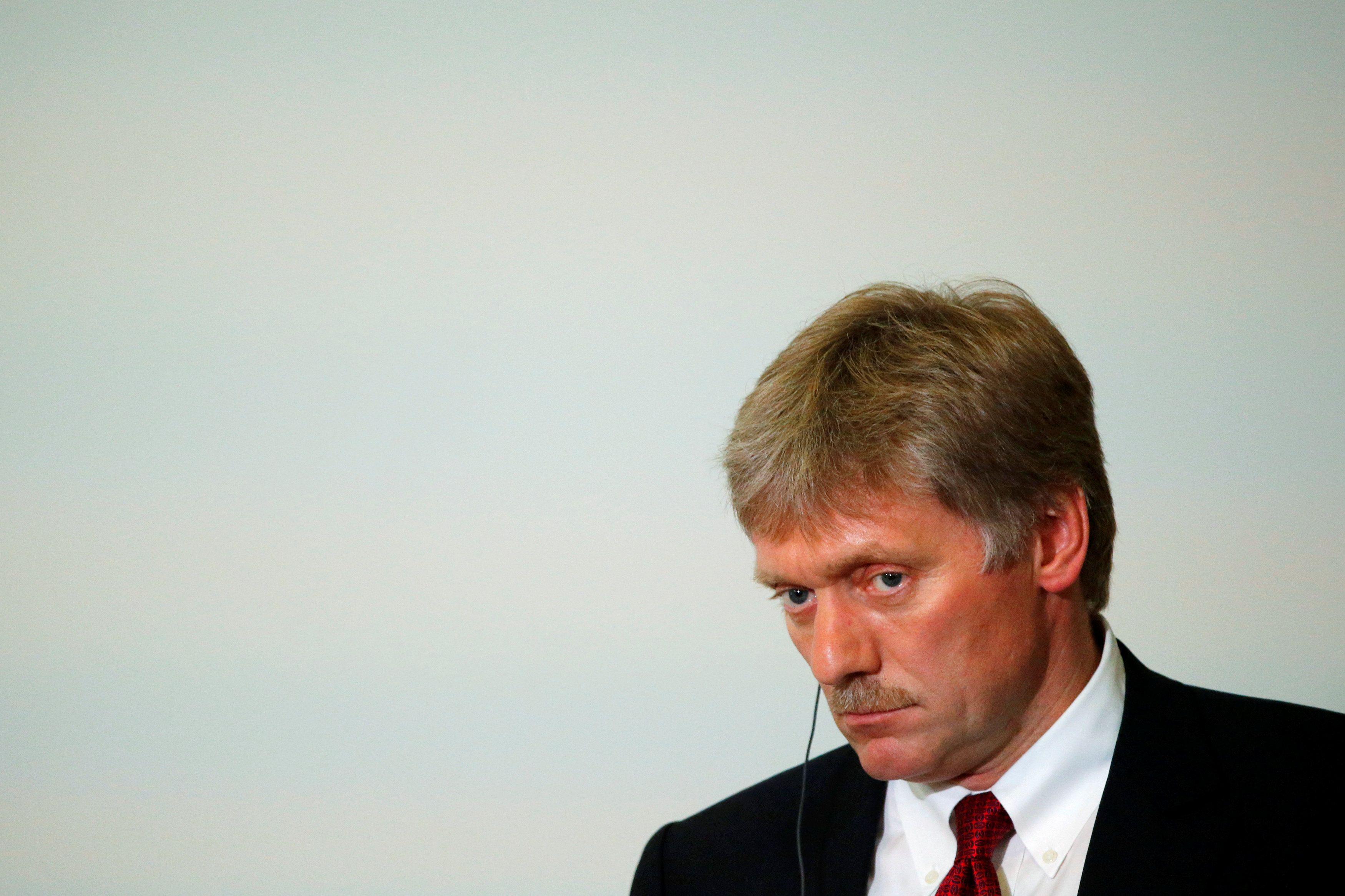 Комментируя призыв Зеленского сохранять санкции против РФ, Песков напомнил про оружие
