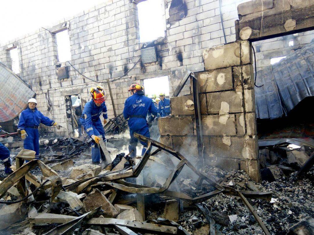 Жуткая трагедия на Киевщине: при пожаре сгорели 7 стариков, судьба 10 неизвестна