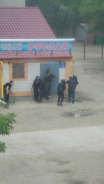 Полиция вступила в перестрелку с террористыми