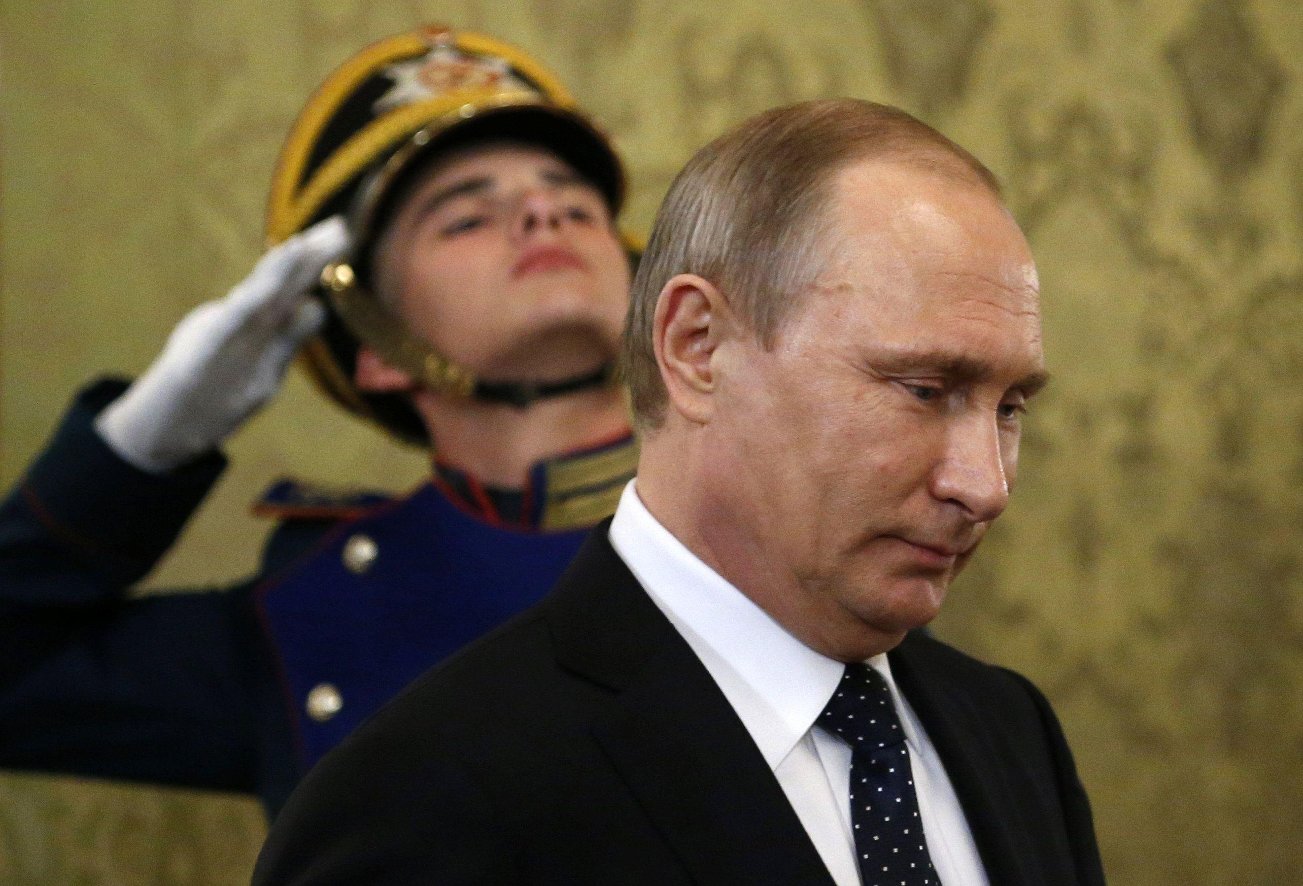 Професор Андрій Зубов: Рейтинг Путіна посипався, в Кремлі починається боротьба за путінський спадок