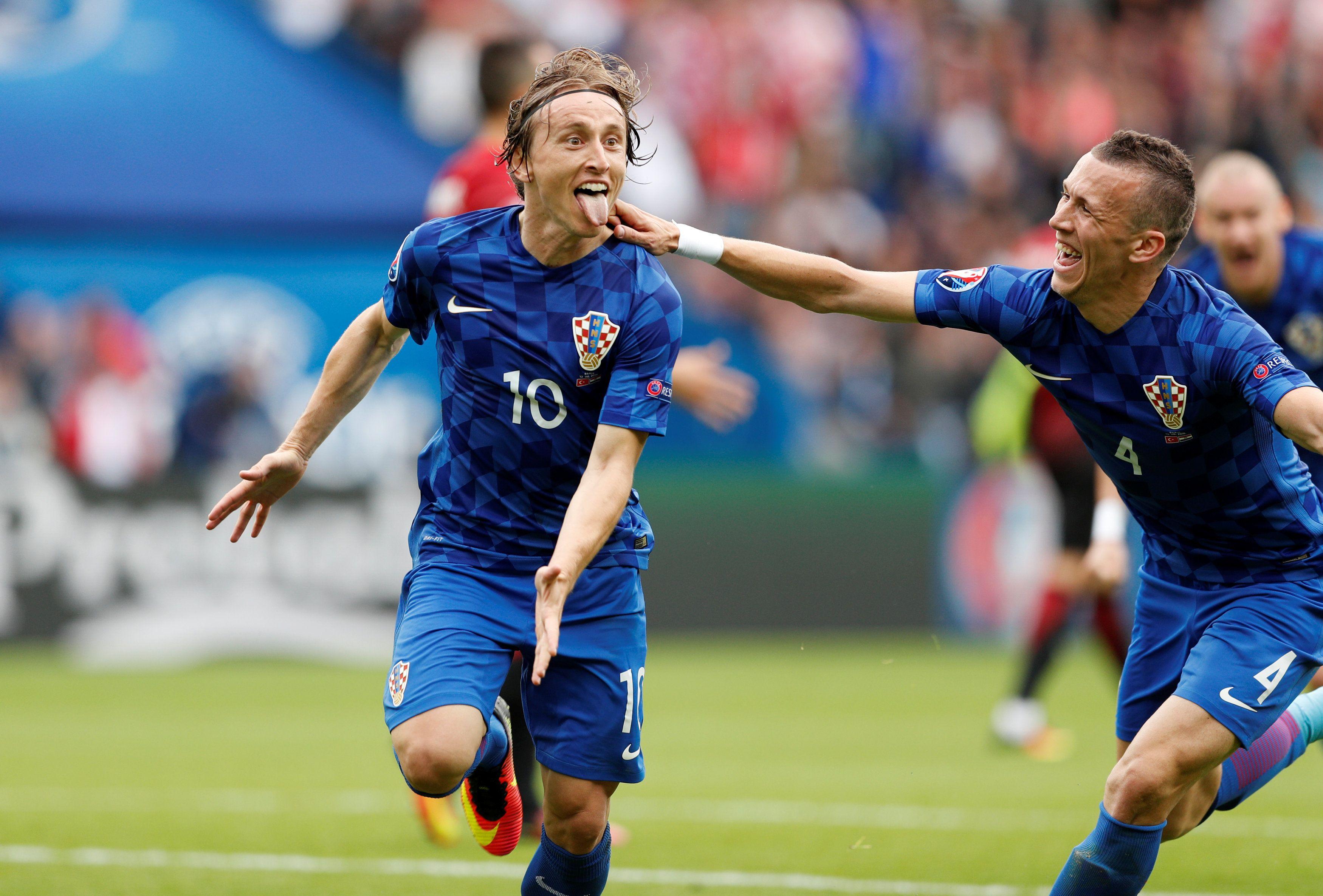 Кровь и слезы: сборная Хорватии победила турков, опубликованы фото и видео гола