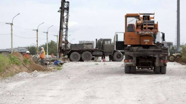Строительство путепровода в Луганске