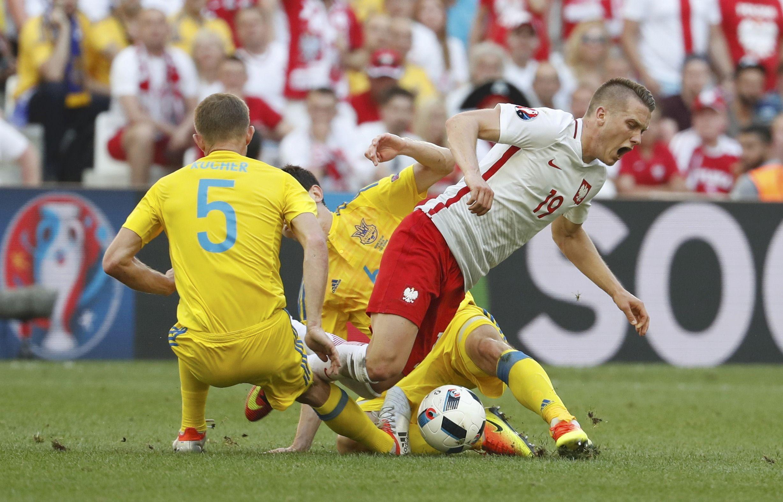 Момент матча сборных Украины и Польши
