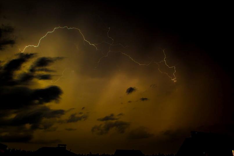 Погода в Украине — Сегодня утром и днем в ряде областей Украины будут кратковременные дожди и грозы, предупредили синоптики