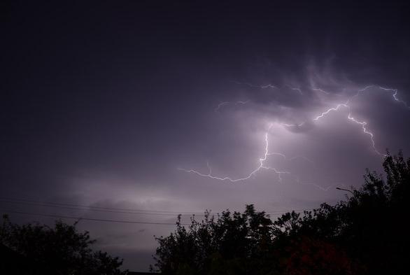 Погода в Украине — Сегодня в ряде областей Украины будут грозы, предупредили в Укргидрометцентре