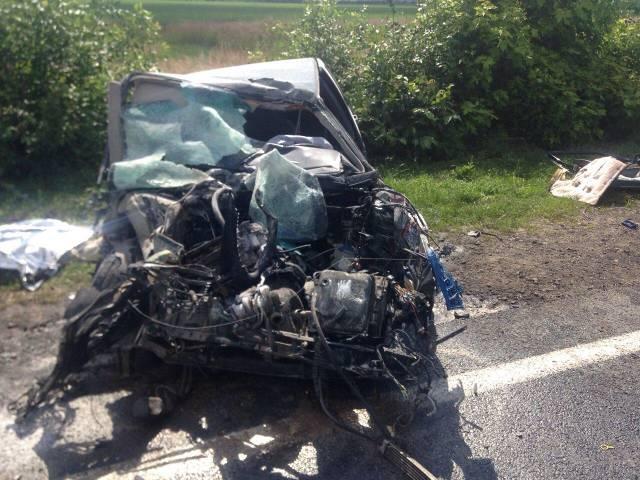 ДТП на Львовщине. Легковушка выскочила на встречку и врезалась в грузовик, есть погибший и раненые