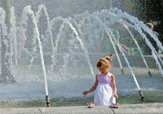 жара, Лето, Киев, фонтан, ребенок