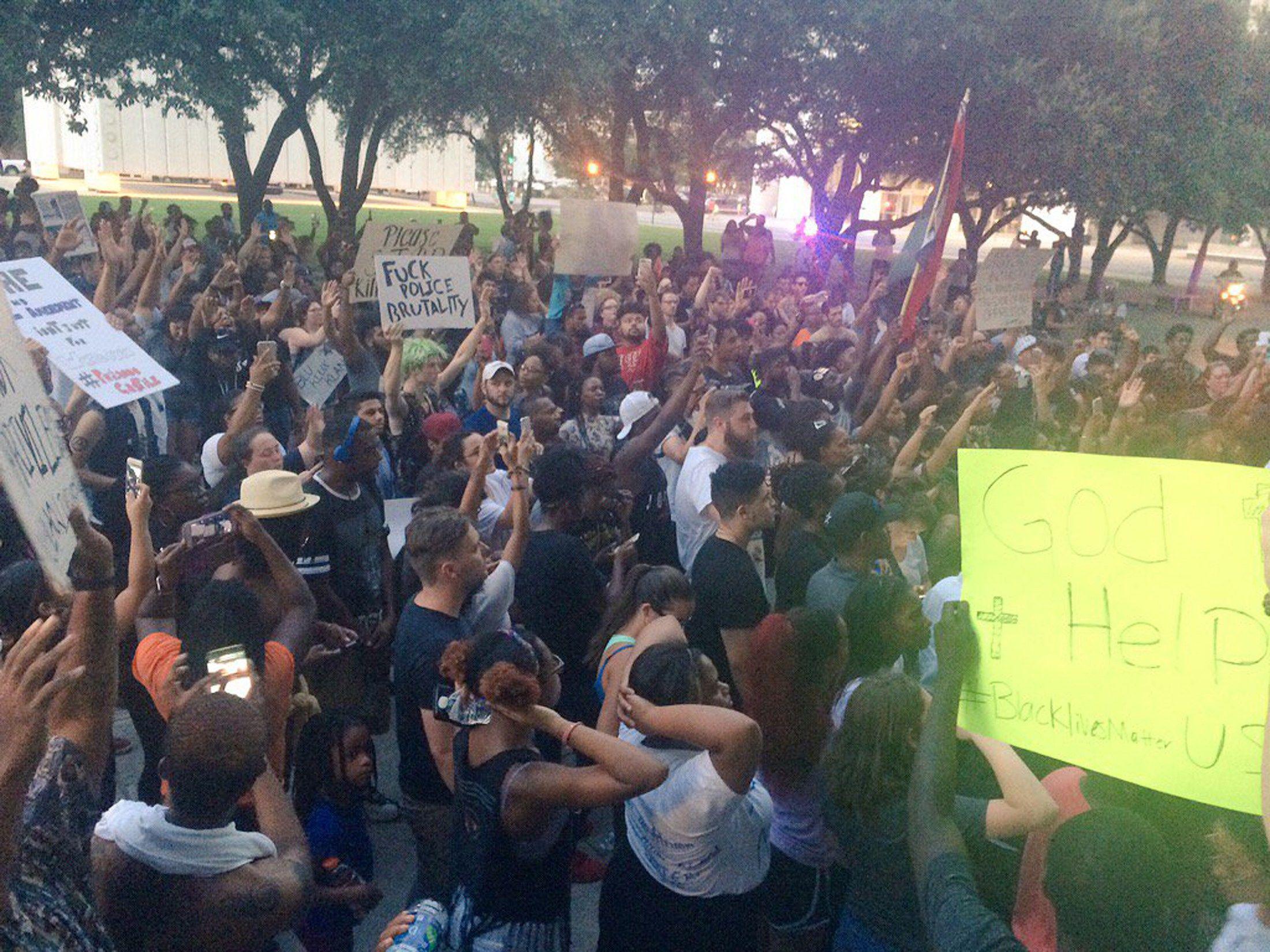 Акция протеста в Далласе