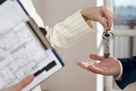 В посольстве РФ в Киеве незаконно оформляют сделки с недвижимостью в зоне АТО