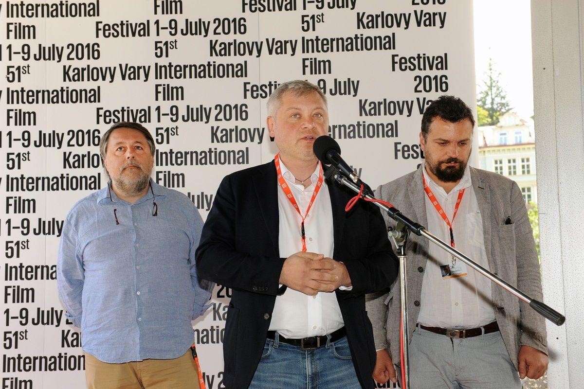 Режиссер Виталий Манский, меценат Игорь Янковский и глава Госкино Филипп Ильенко