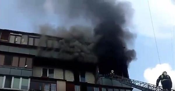 В квартире многоэтажки сгорели два человека
