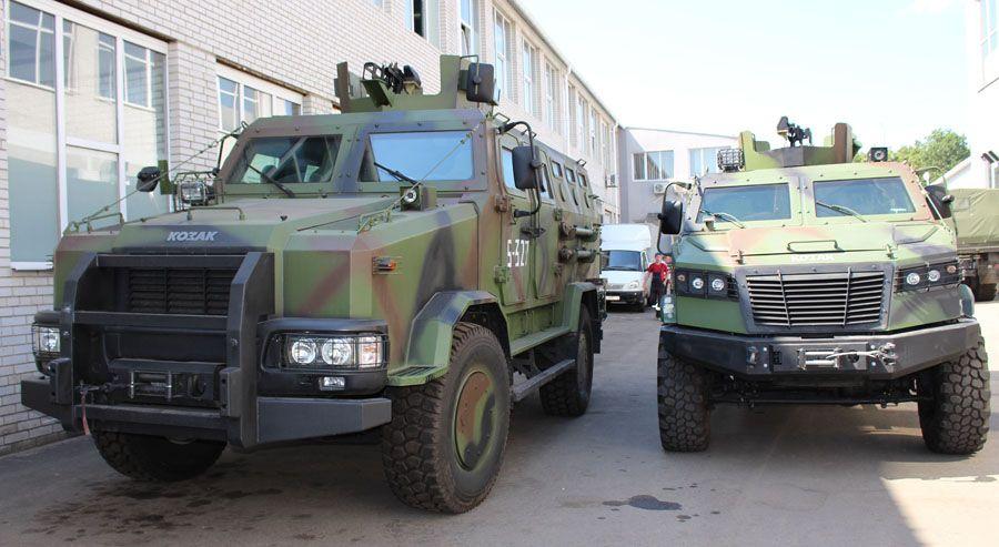 """""""Козак-001"""" (слева) и """"Козак-5"""""""