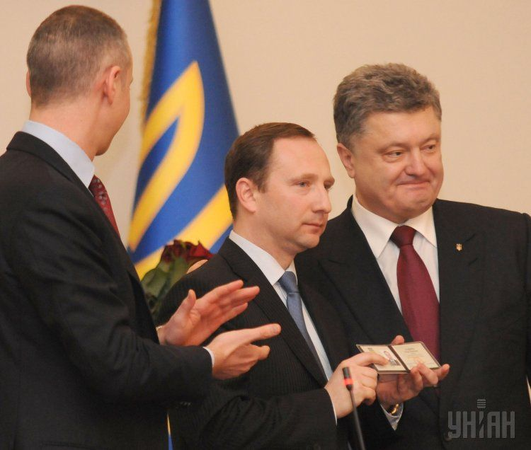 Руководитель АПразуверился впобеде Порошенко навыборах и«нарвался» напроблемы