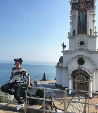 Дима Билан разочаровал поклонниц снимком в плавках