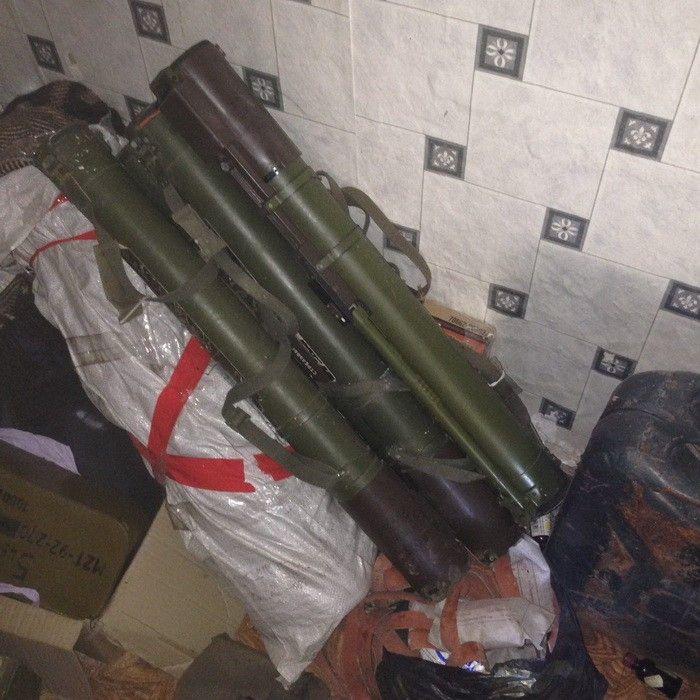 В зоне АТО накрыли три схрона с гранатометами, гранатами и патронами, опубликованы фото