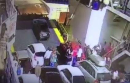 На Керченской переправе авто с водителем