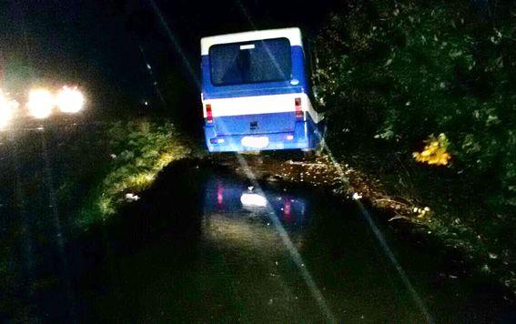 На Ровенщине грузовик выскочил на встречку и протаранил маршрутку