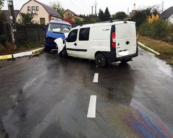 Под Киевом FIAT выскочил на встречку и протаранил Volkswagen