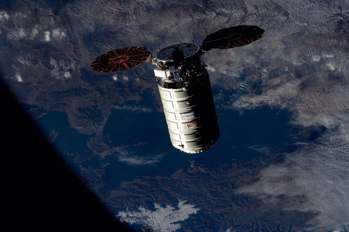 Грузовой корабль Cygnus с украинским двигателем прибыл на МКС