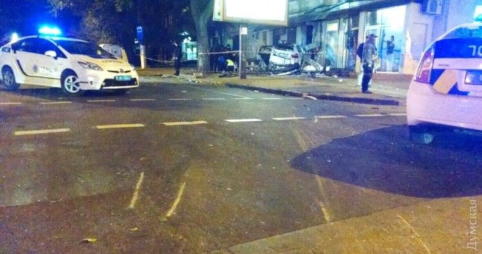 Масштабное ДТП в центре Одессы, есть жертвы и пострадавшие, пьяный виновник аварии сбежал